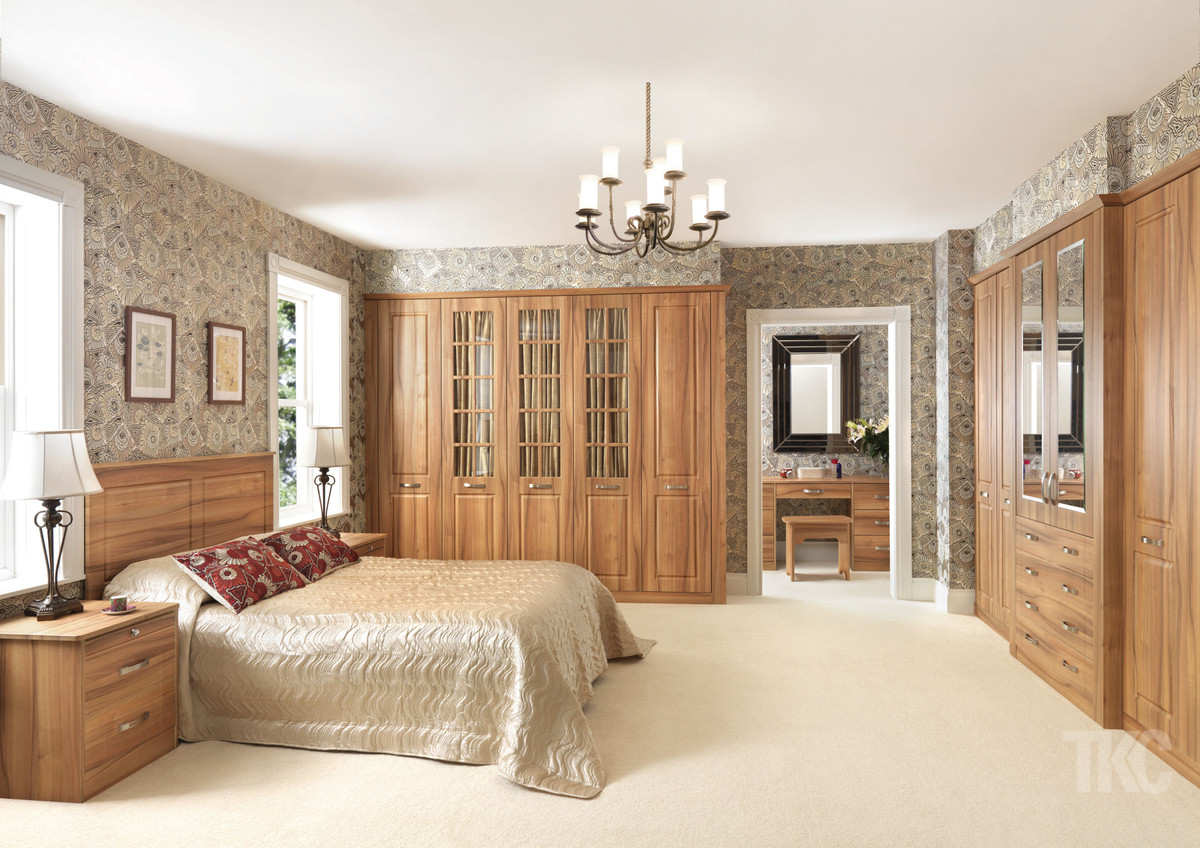 Designer bedroom furniture uk ideas for fitted beespoke for Beautiful bedroom ideas uk